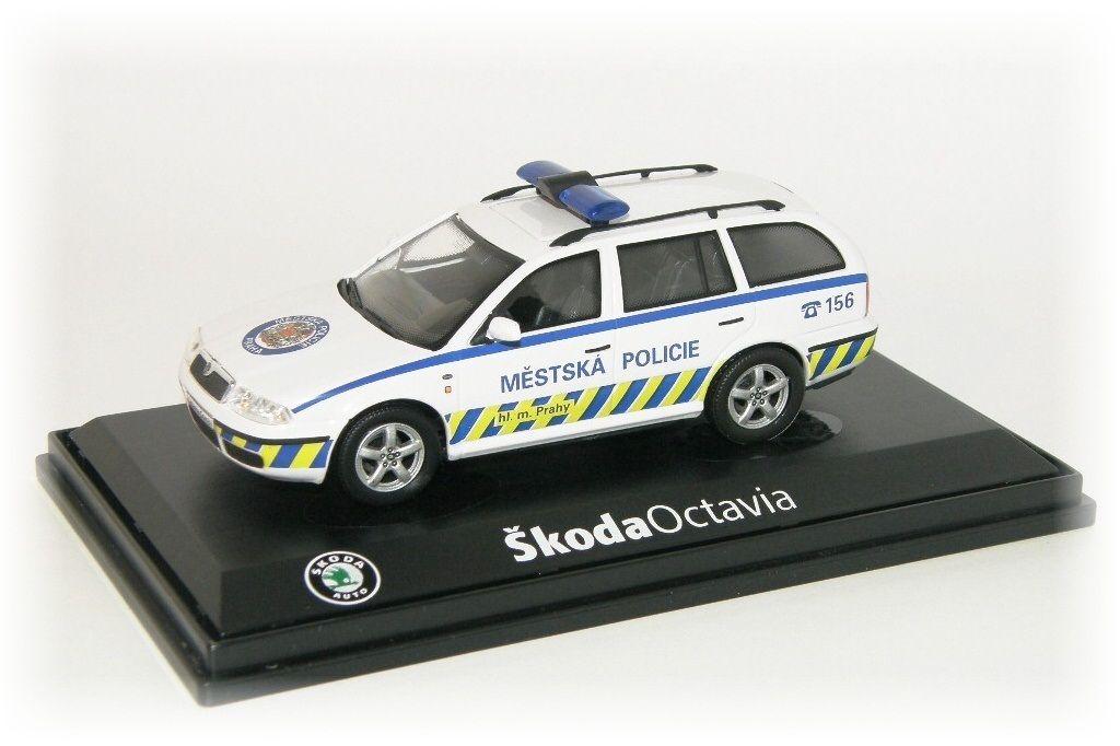 """Škoda Octavia Combi Tour Městská Policie Praha """"2004"""" Abrex"""