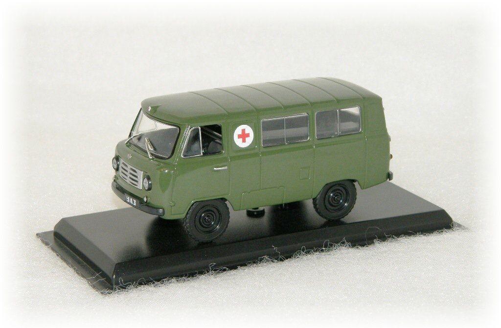 "UAZ 450 A Ambulance ""1957"" DeAgostini"